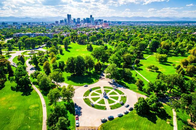 a large park in one of the neighborhoods in Denver